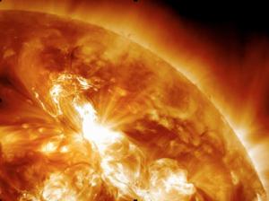 Erupción solar domingo 22 de enero del 2012. Foto NASA