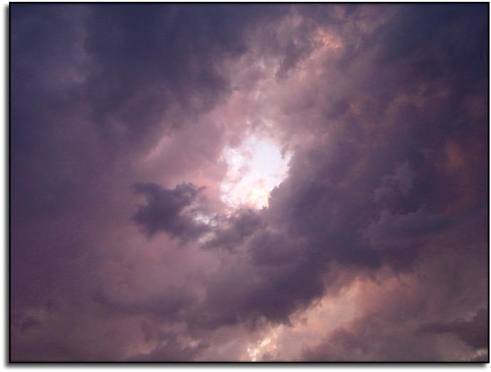 La oscuridad deja paso a la luz alma-81