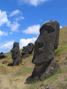 Moai_Rano_raraku Aurbina