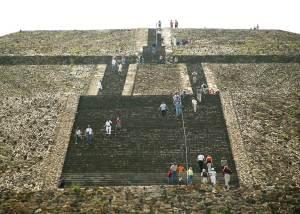 Piramide del Sol Teotihuacan Richard Seaman com