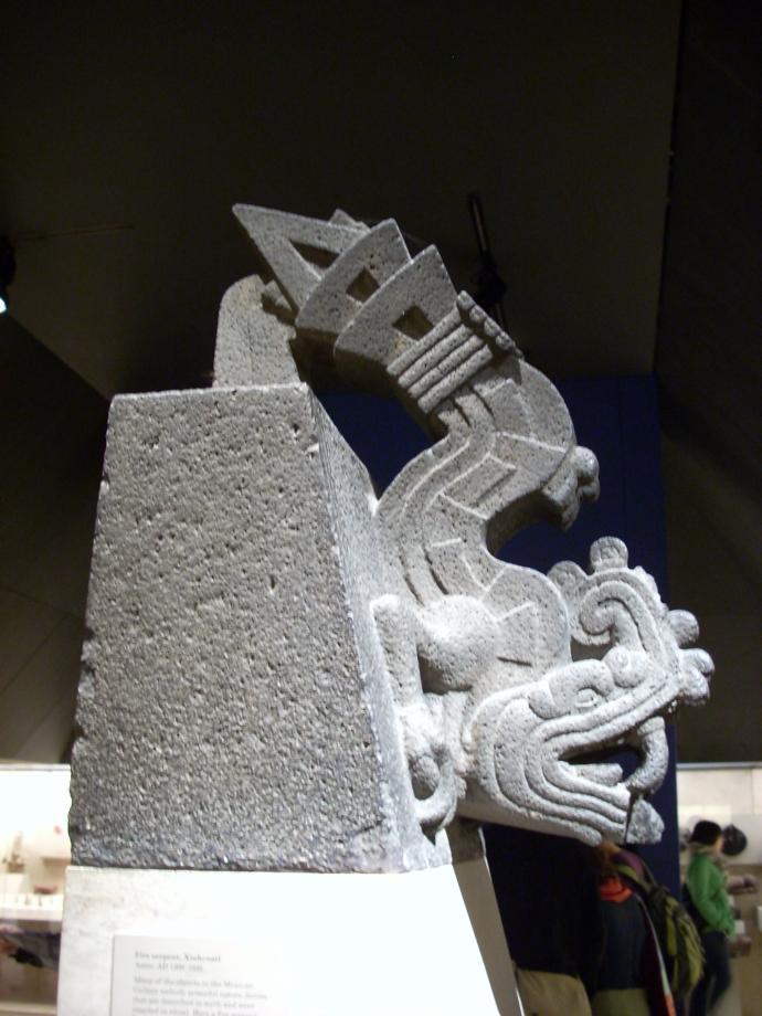 Xiuhcoatl_British_Museum foto Simon Burchell