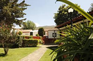 LAGO SOL HOTEL Y SUITES Tzintzuntzan Michoacan