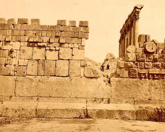 baalbek_estas_piedras_ciclopeas_de_la_base_sin_duda_alguna_no_son_romanas.7