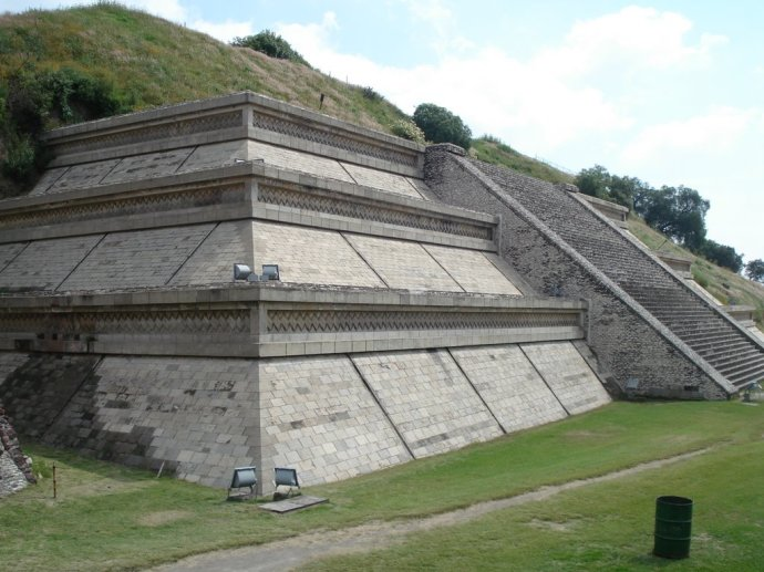 Piramide de Cholula base Norberto Villarreal