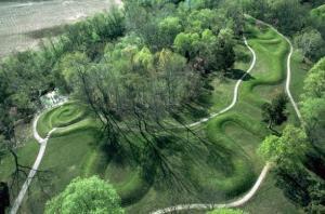 gran_monticulo_de_la_serpiente valle de Ohio USA