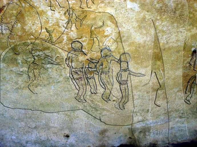 l-Arte rupestre Tassili extraterrestres con cascos