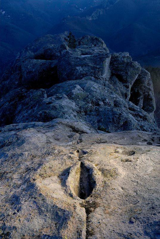 Belintash Bulgaria de noche imagen Krasimir Andonov 2