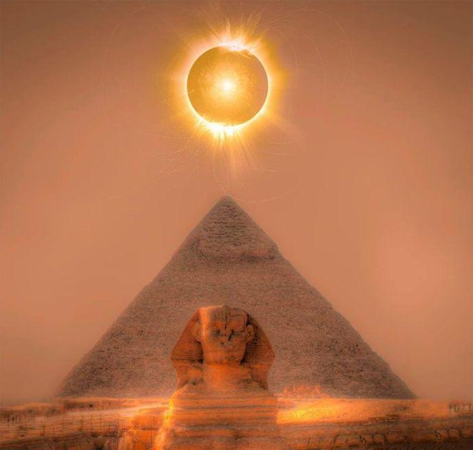 La Esfinge Sol cenit