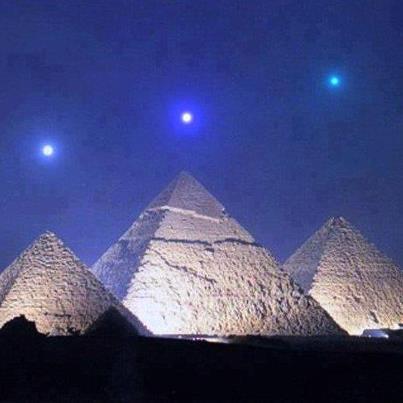 Piramides de Giza y alineación planetaria Amigos Mundiales