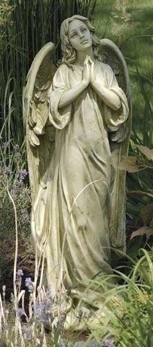 Angel orando estatua