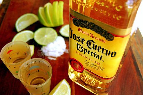 Tequila con sal y limon