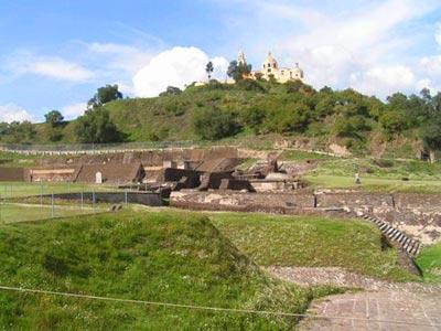 Piramide de Cholula y templo los Remedios
