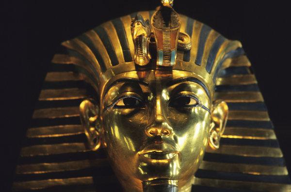 Imagen-de-la-Mascara-funeraria_de Tutankamon