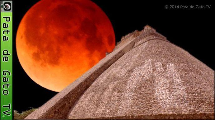 Luna de sangre Uxmal Yucatan Mexico