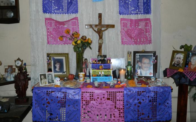 ofrenda dia de muertos crucifijo flickr