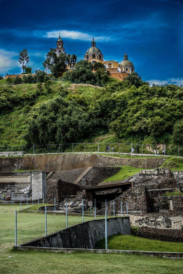 Piramide cholula y templo los remedios puebla mexico