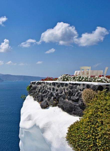 thera volcanic caldera