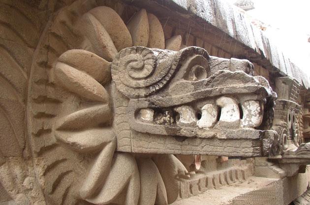 quetzalcoatl-teotihuacan