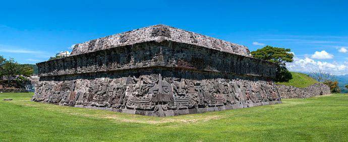 Templo_de_Quetzalcoatl,_Xochicalco