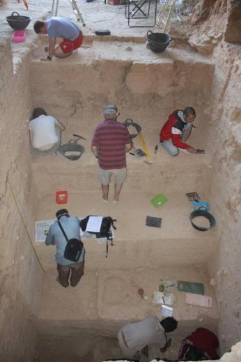 Cueva negra excavacion fuego 800000 años