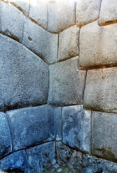 Sacsahuaman angulos rectos en piedra