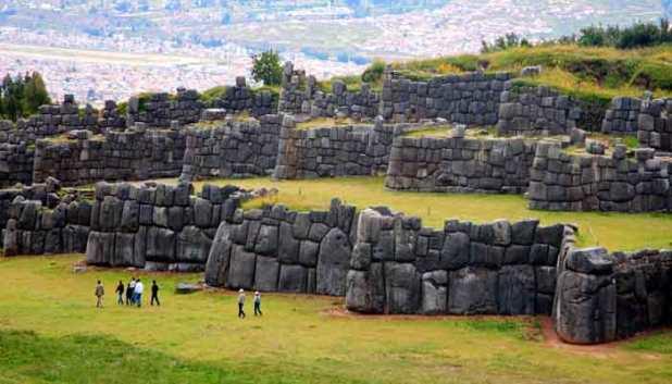 Sacsayhuaman tres murallas