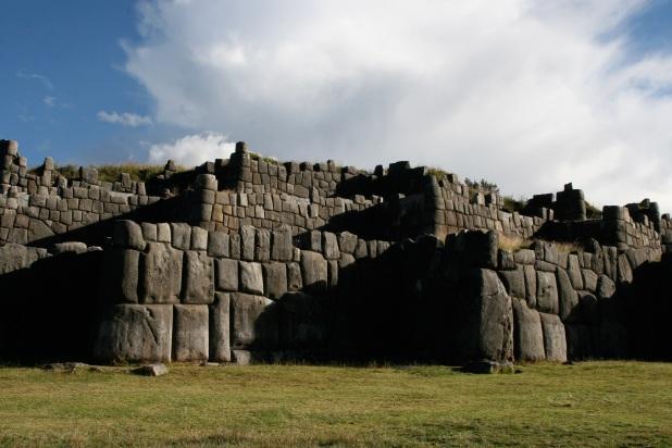 Sacsayhuamán_walls