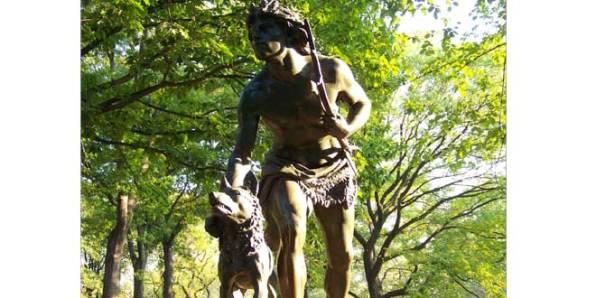estatuahombreprehistoricayperrocentralpark