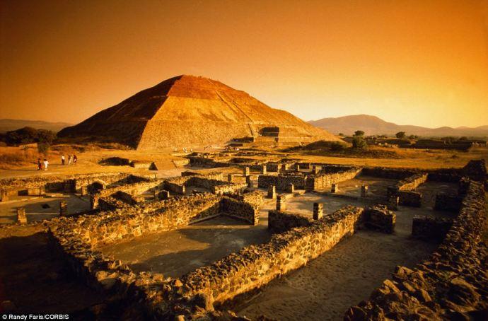 Teotihuacan-2 PIRAMIDE DEL SOL