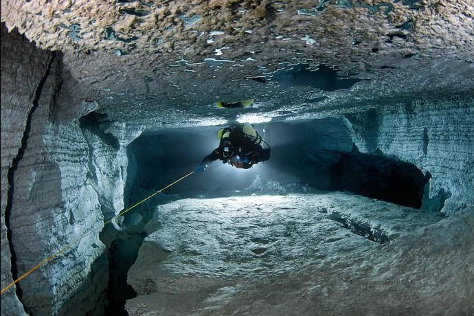 Orda la cueva subacuática más larga de Rusia