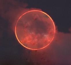 Luna de sangre anill luminoso