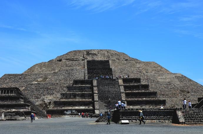 Piramide-de-la-Luna-en-Teotihuacan-FOTO-MELITÓN-TAPIA-INAH.