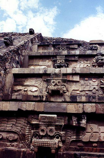 Piramide templo de Quetzalcoatl