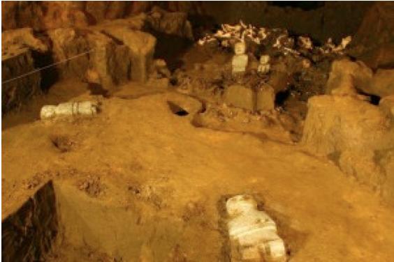 tunel bajo piramide de quetzalcoatl Teotihuacan recreacion INAH