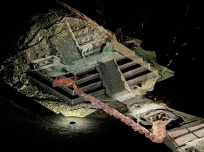 Tunel bajo Templo Quetzacoatl
