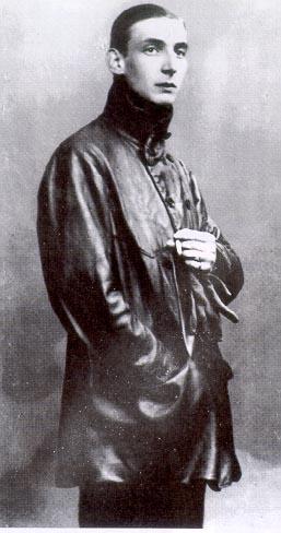 El conde de Almásy, aventurero, amante del desierto y paciente, muy paciente.