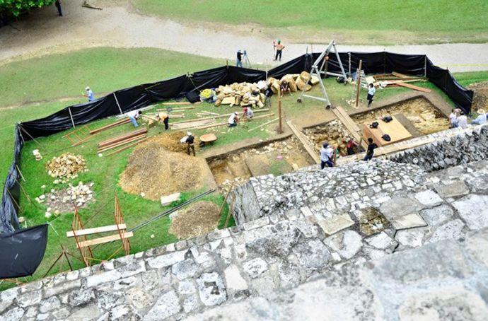 Pakal tumba excavacion 2016