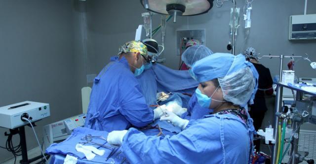 Dos operaciones de corazón en dos sismos: así operó el doctor Arellano en el hospital de La Raza