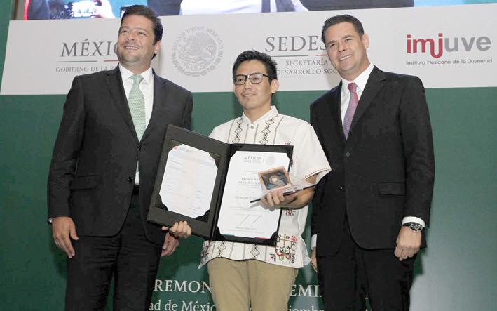 JOVEN INDÍGENA MEXICANO LOGRA ENTRAR AL MIT (Instituto Tecnológico de Massachusetts)