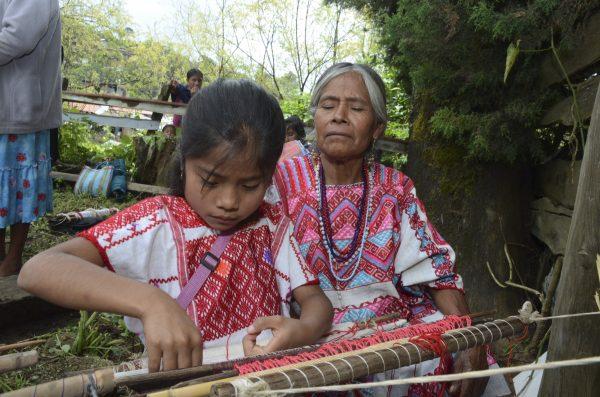 ¡Atrás, Zara! El INAH tiene un plan para evitar el plagio de diseños indígenas